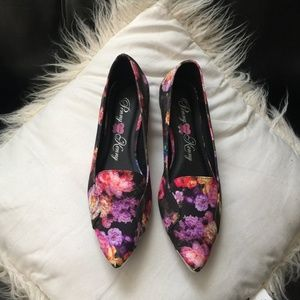 Penny Loves Kenny ~Pretty Floral Flats.